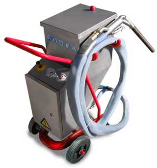 Ice blaster: Cryogenic cleaning dry ice blasting